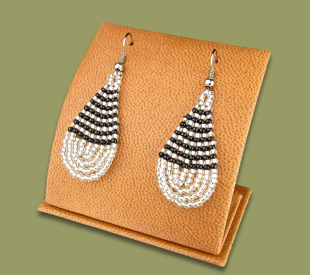 Small Beaded Ear Rings Tear Drop Silver Black