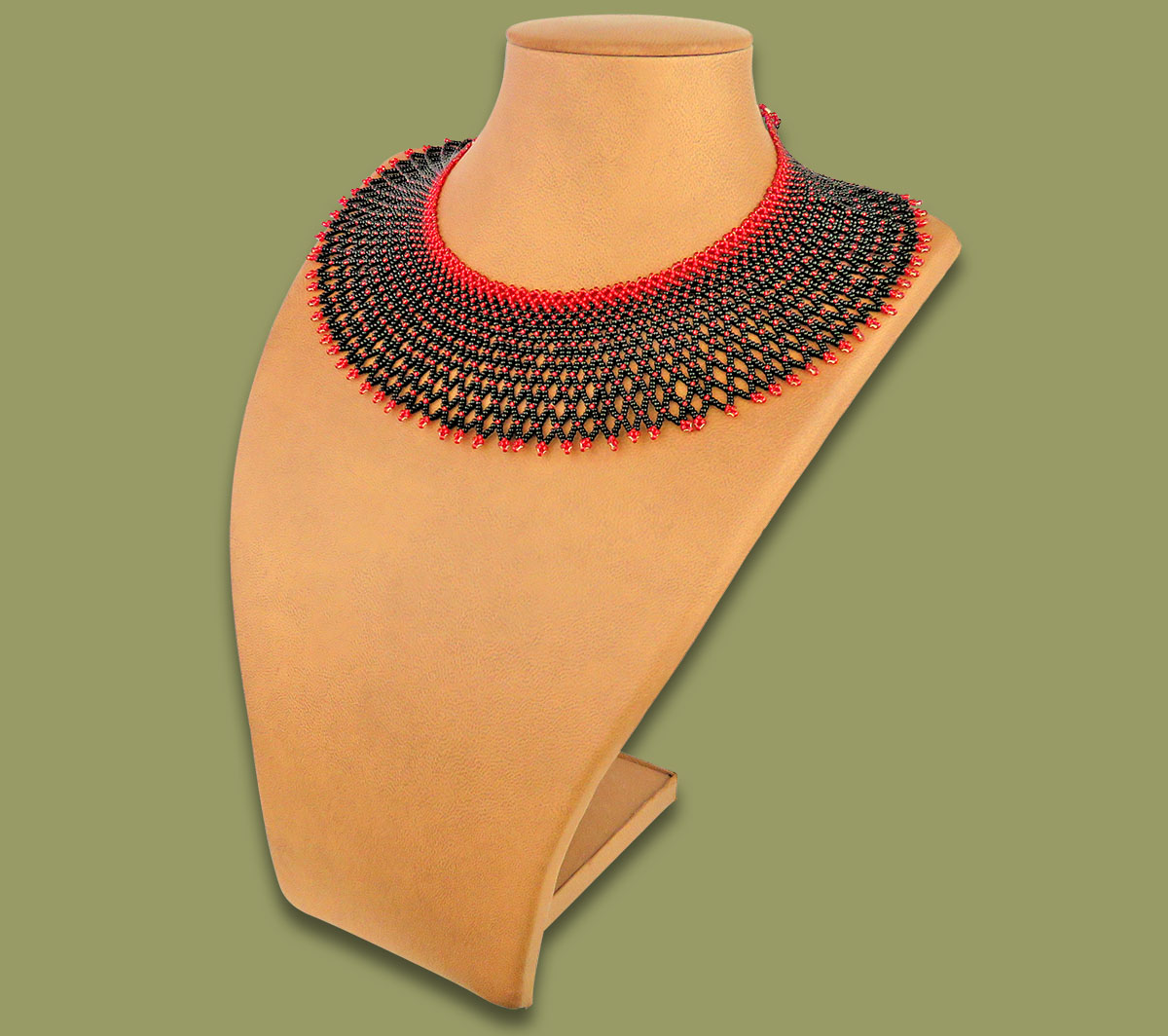 African Beaded Necklace Ntombi Black Red