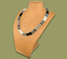 African Bead Necklace Mvovo White Black