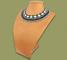 Beaded Thandi Necklace Black White