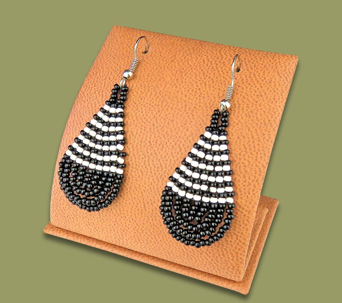 Small Beaded Ear Rings Tear Drop Black White