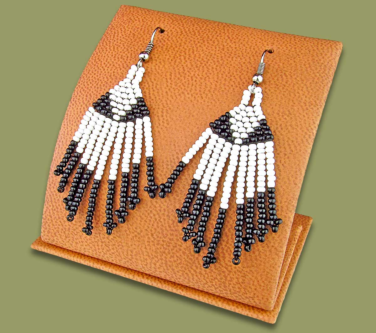 Beaded Short Tassel Earrings White Black