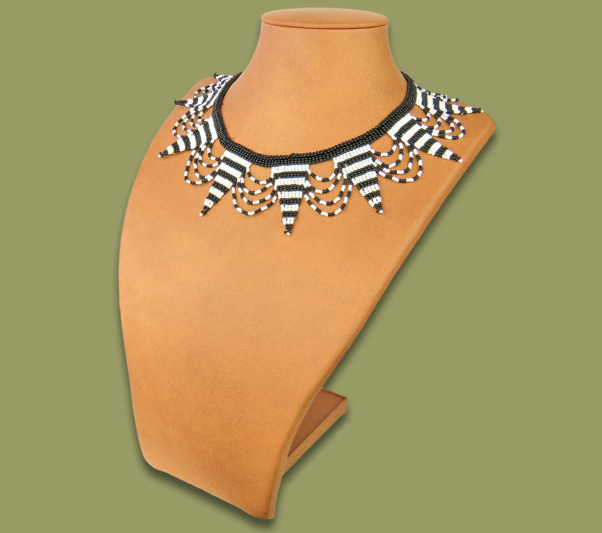 Beaded Necklace Zulu Spear Black White Stripe