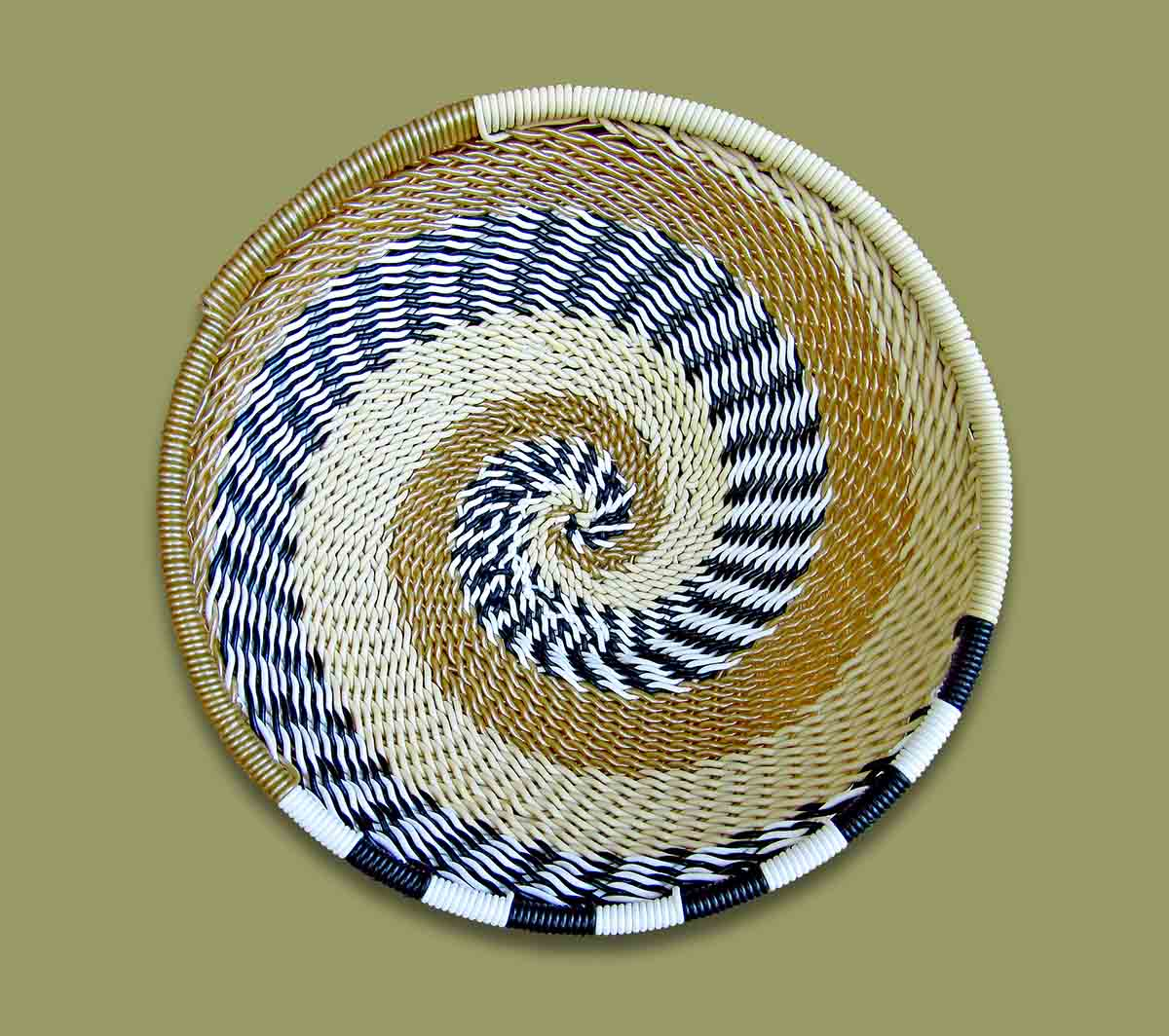 Telephone Wire Bowls Size.2 African Savana